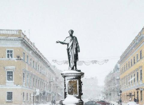 Штормовой ветер и метель: в Одессе бушует непогода