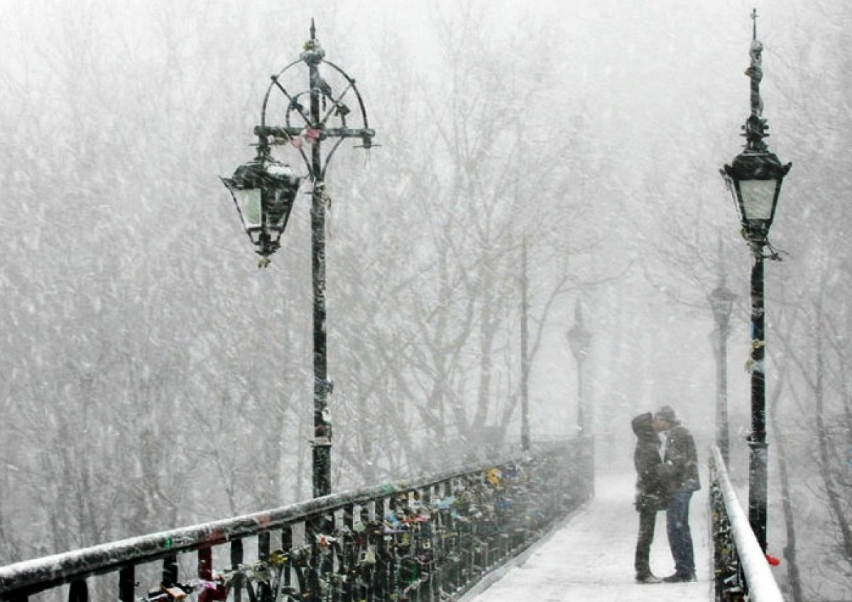 Мороз, снег и гололедица: синоптик рассказала о погоде на сегодня