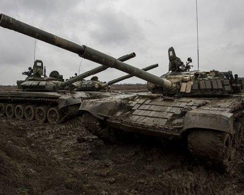 Боевики стягивают десятки танков под Луганск