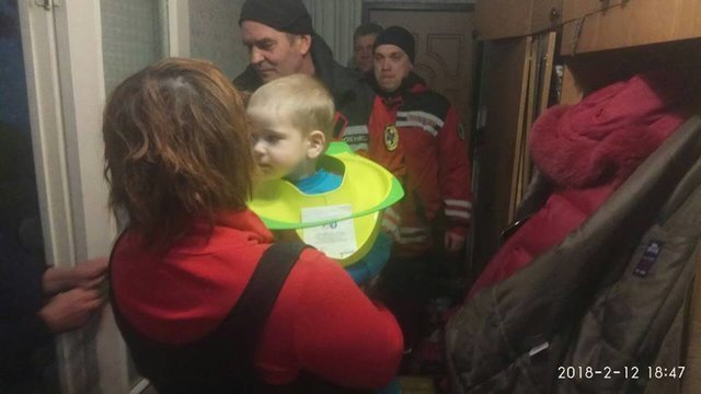 В Киеве голова ребенка застряла в «туалетном сиденье»