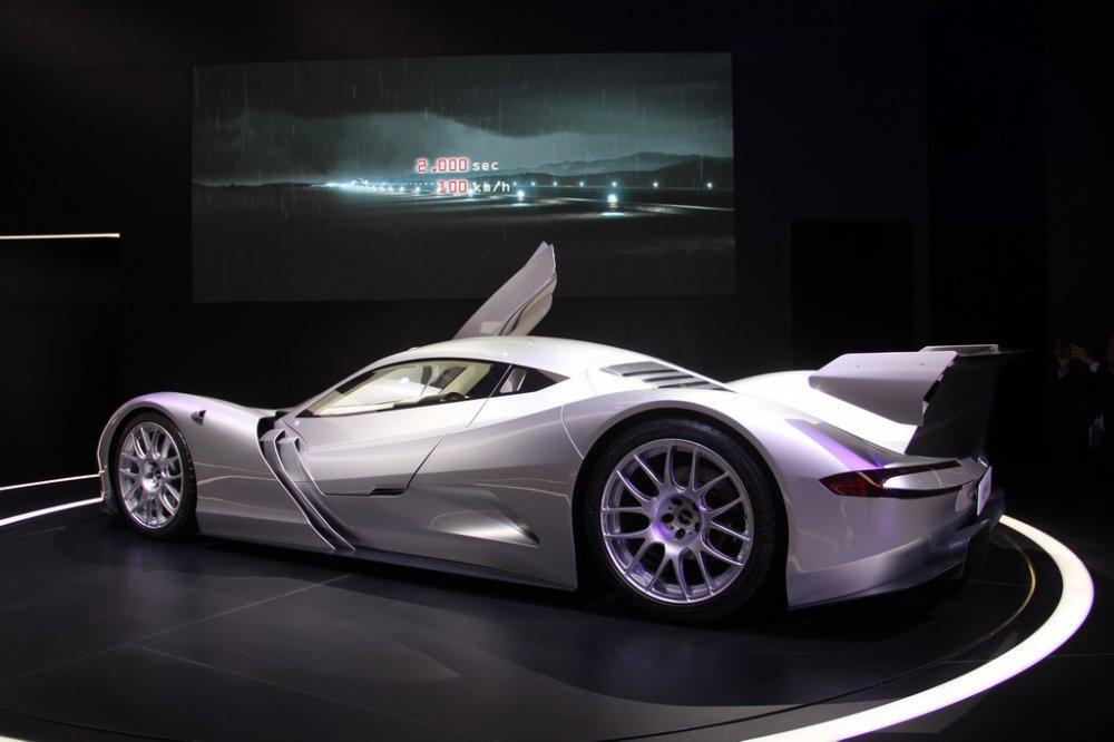 У мережі показали найшвидший електромобіль у світі