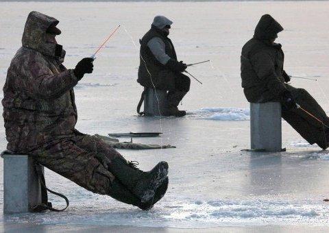 Безумный дрейф: 50 рыбаков унесло на льдине