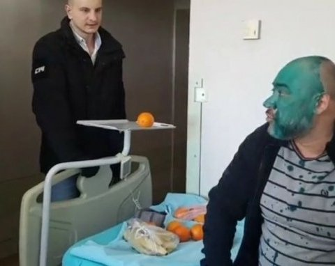 Підозрюваного у вбивстві Веремія облили зеленкою