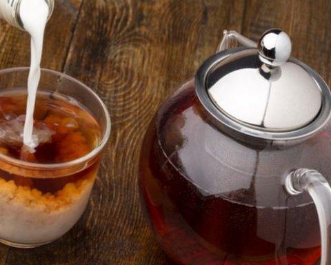Чай з молоком виявився небезпечною сумішшю