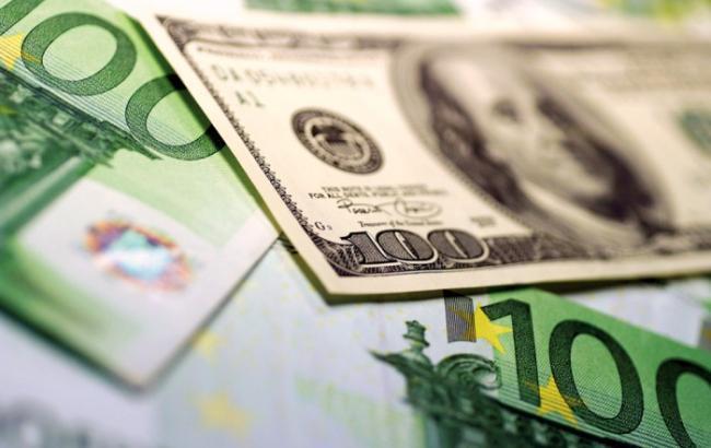 Падение курса доллара: украинцам посоветовали, в какой валюте лучше хранить сбережения