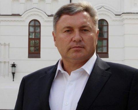 Украинцев разозлил губернатор с часами за миллион в зоне АТО
