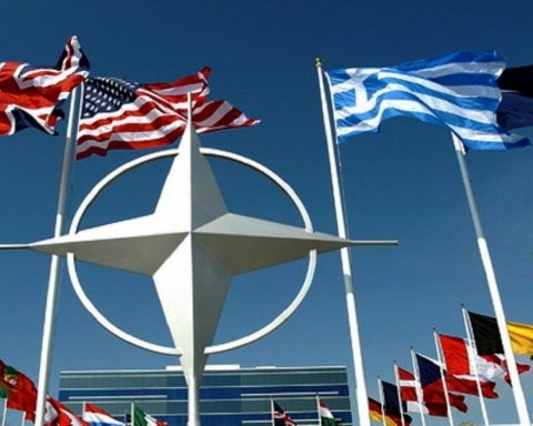НАТО решило создать первый в мире «военный интернет»: подробности