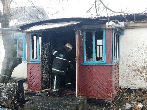 Жуткая ловушка: в деревянном доме заживо сгорели два человека