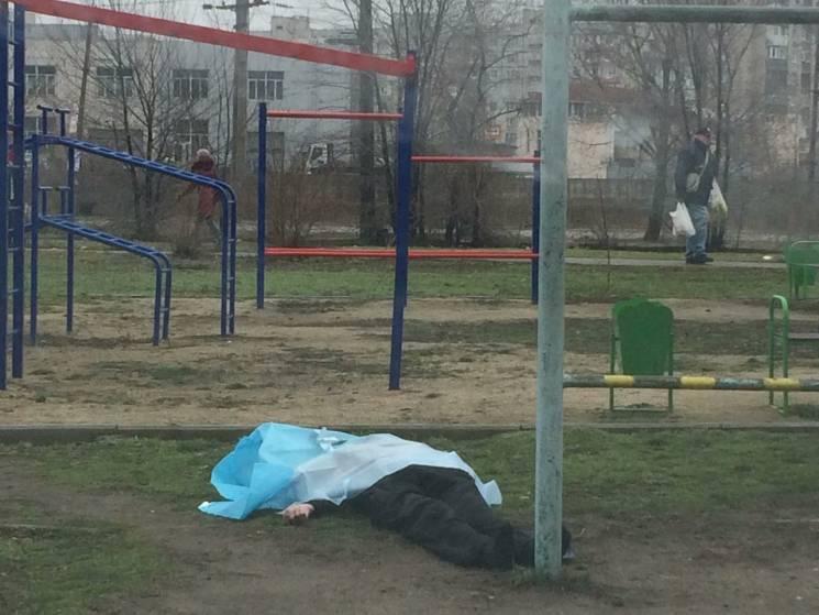 Жахлива трагедія на Прикарпатті: 16-річна студентка загинула від удару гойдалки