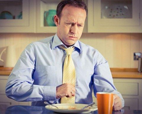 Рак желудка: медики назвали тревожный симптом начала болезни