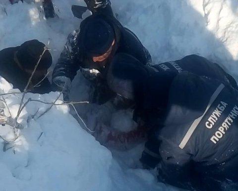 Жуткая ловушка: два метра снега за секунду засыпали ребенка