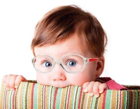 Эти пять признаков указывают на плохое зрение у ребенка