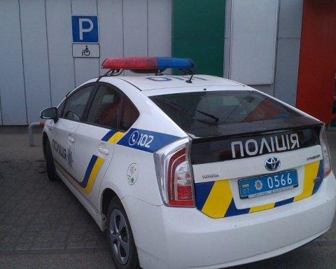 Сеть разозлила парковка авто полиции на месте для инвалидов