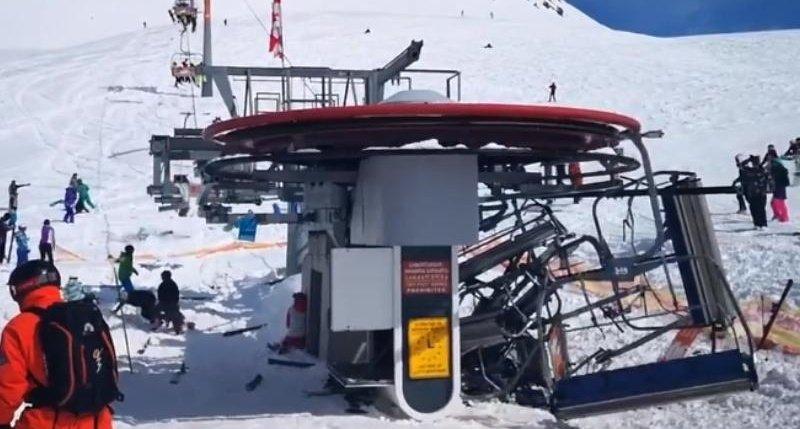 У Грузії на відомому курорті зламалась канатна дорога моторошн