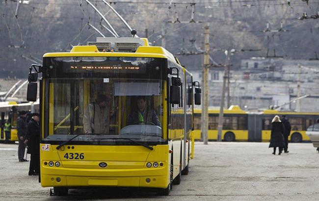 Пять троллейбусных маршрутов закрывают в Киеве