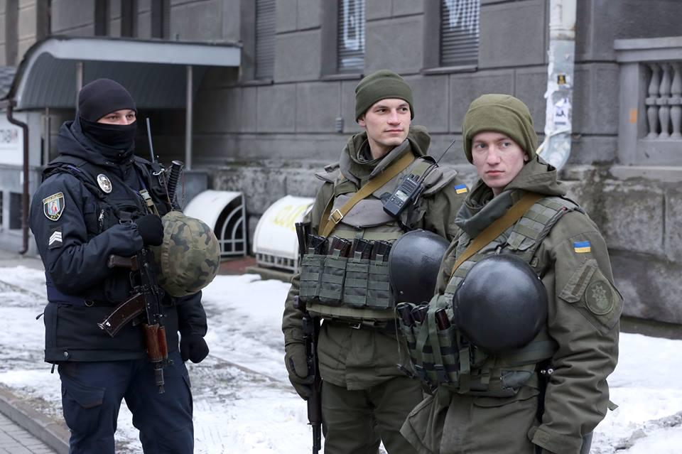 Дополнительные отряды силовиков вышли на улицы Киева: что происходит