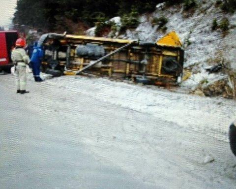 Жуткое ДТП: переполненный автобус разнесло на части, много пострадавших