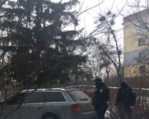 Бабушку с внуками взяли в заложники в Киевской области