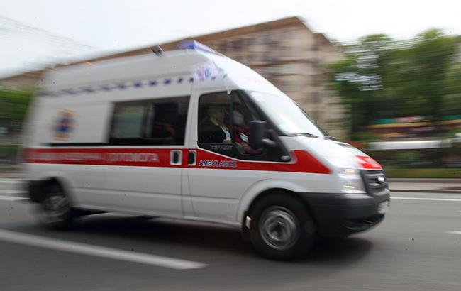 Водителя «скорой» вКиеве безжалостно избили зазамечание