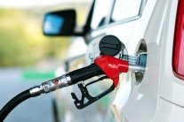Ціни на бензин в Україні впадуть, але: з'явився прогноз експерта
