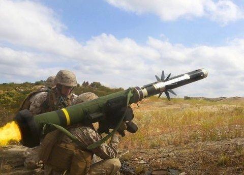 """37 пускових установок і 210 ракет: """"Розмови про Javelin порвали Кремль і бойовиків на ганчірки"""""""