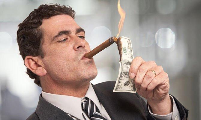 В Украине за год стало почти в полтора раза больше миллионеров