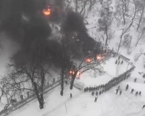 Наметове містечко Саакашвілі взяли штурмом