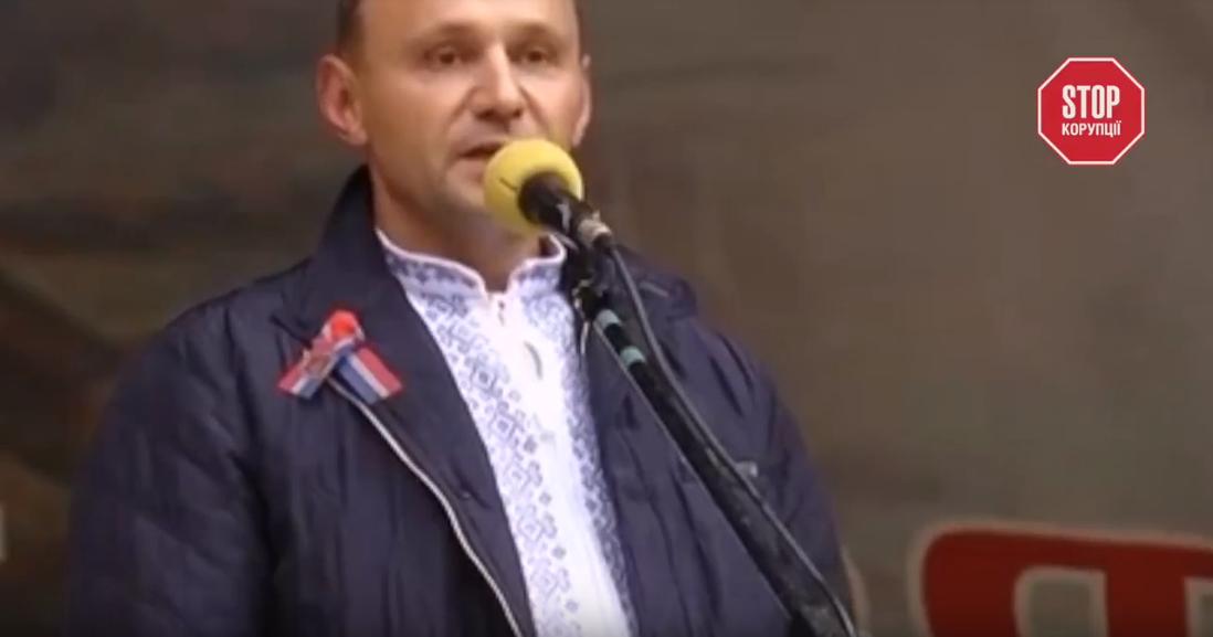 Роскошные дома и дорогие квартиры: журналисты показали сказочную жизнь топ-чиновников времен Януковича