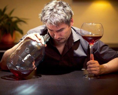 Вчені розкрили смертельну небезпеку алкогольних напоїв: це варто знати