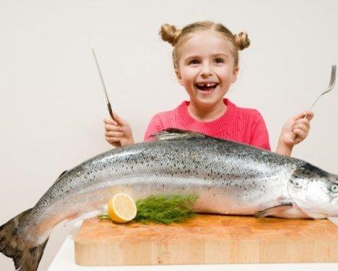 Киев всколыхнул новый скандал с супермаркетом: в рыбе нашли паразитов