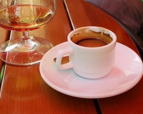 Эти лекарства не стоит употреблять после кофе и алкоголя