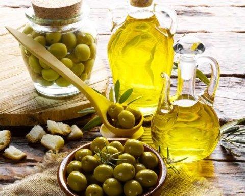 Всього ложка на день: чому необхідно вживати оливкову олію