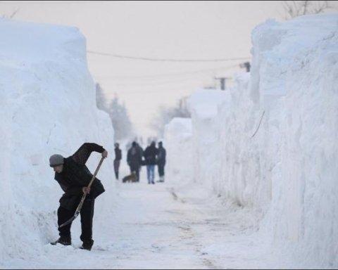 В Україну ідуть снігопади: у Гідрометцентрі назвали області, де значно погіршиться погода