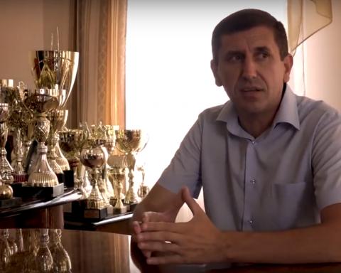 »Последователь Пшонки»: украинцев поразил кабинет сельского головы