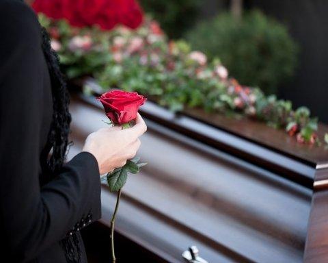 Похорон по-новому: які проблеми очікують на українців
