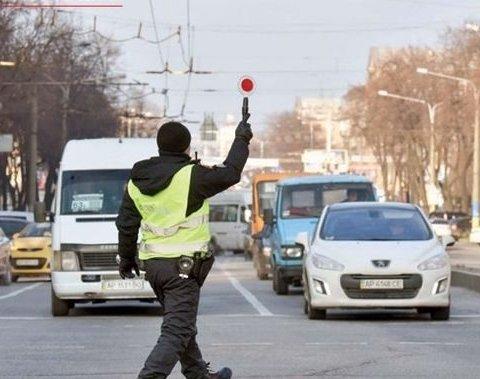 Водіям на замітку: копи почнуть контролювати швидкість на дорогах