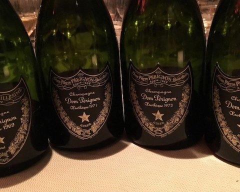 50 бутылок шампанского «Dom Perignon»: украинцев поразил роскошный отдых «друга Порошенко»