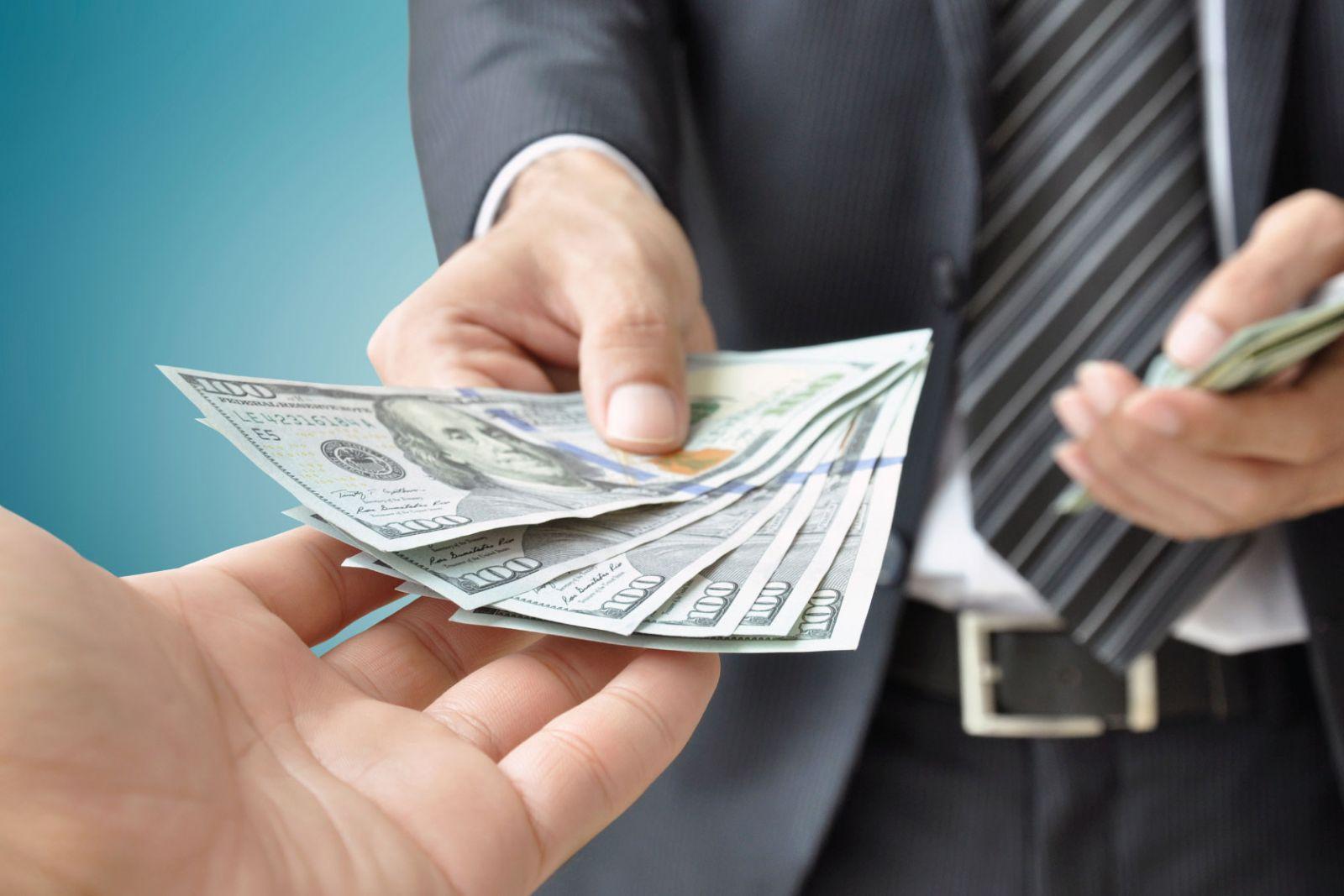 Уровень взяточничества и коррупции в Украине зашкаливает