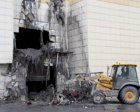 Трагедия в Кемерово: сотрудница ТЦ поразила подробностями