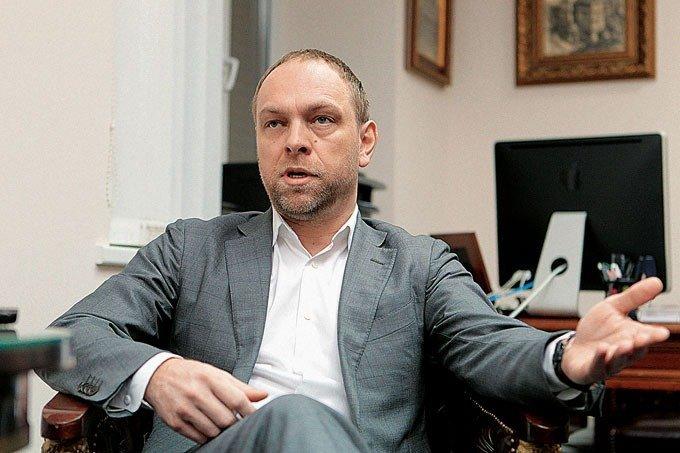 13 елітних годинників задекларував Власенко
