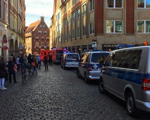 Теракт в Германии: от наезда автомобиля на толпу в Мюнстере погибли люди