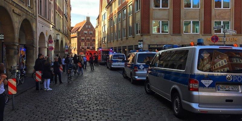 ЗМІ: В Німеччині унатовп в'їхала вантажівка, є загиблі