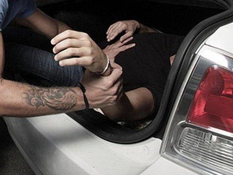 Моторошне викрадення: у Луцьку на очах у перехожих викрали людину