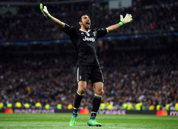 Рома начала торговать билеты наполуфиналЛЧ еще дожеребьевки, «засветив» конкурента