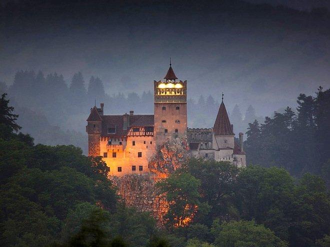 Українцям на замітку: у скільки обійдеться поїздка у замок графа Дракули