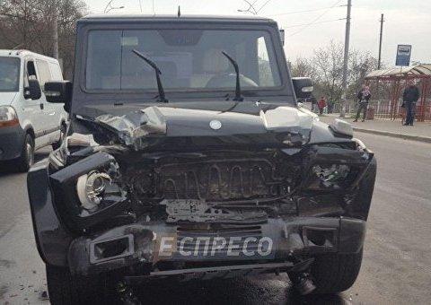 Пьяный автомойщик разбил автомобиль Виктора Медведчука