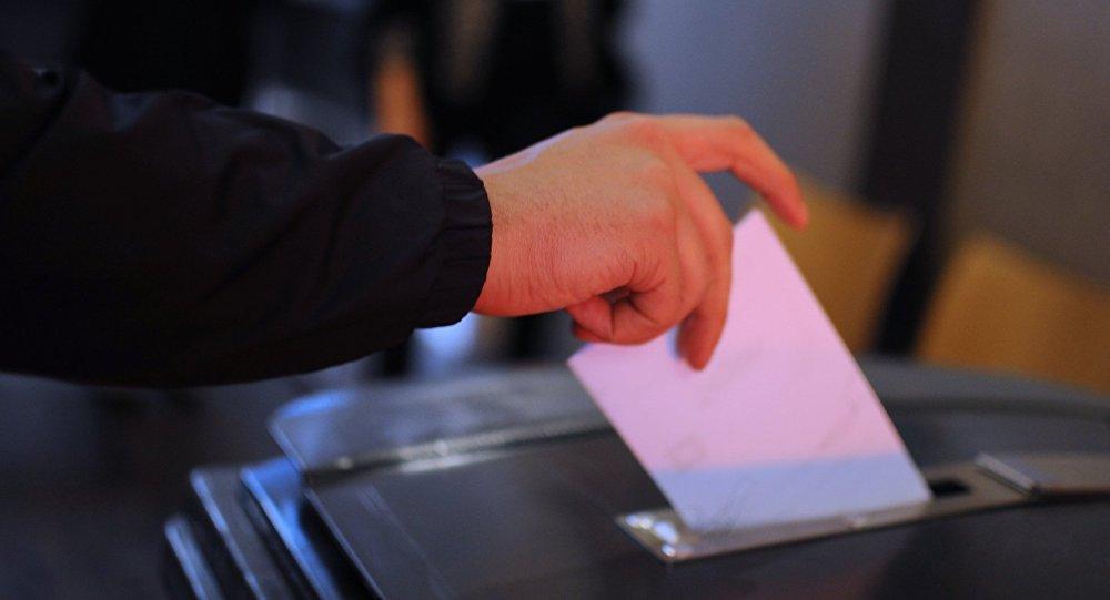 Закон овсеукраинском референдуме признали неконституционным