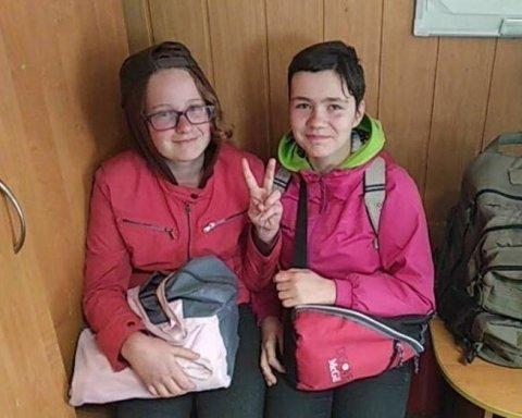 Живі та неушкоджені: шестикласниць-втікачок знайшли на трасі під Києвом