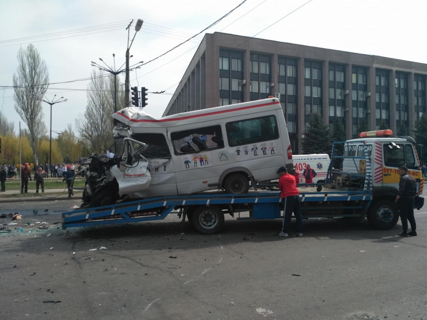 Трагедія в Кривому Розі: з'явилися фото наслідків ДТП