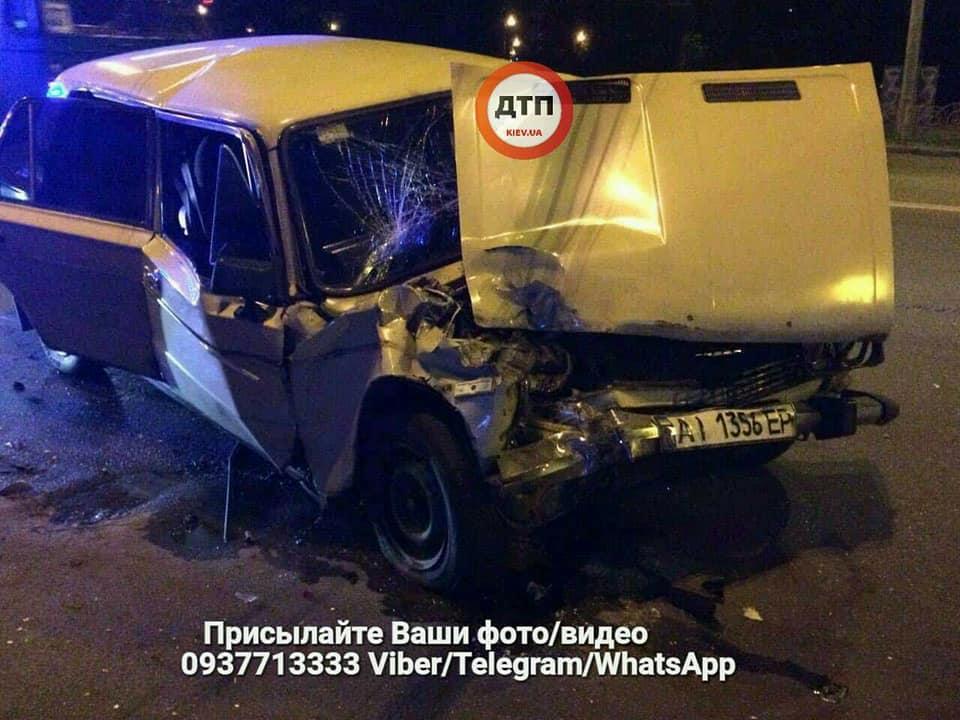 ВКиеве произошло жуткое ДТП: для извлечения тела погибшей разрезали автомобиль